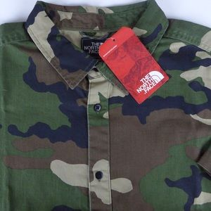 TNF The North Face Bay Trail SS Shirt NWT Camo